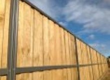 Kwikfynd Lap and Cap Timber Fencing acaciahills