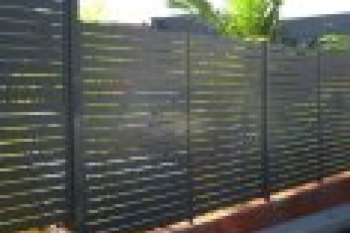 Your Local Fencer Slat fencing 720 480